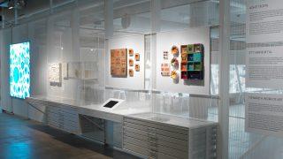 Katseluvarastossa on esillä Rut Brykin ja Tapio Wirkkalan töitä ja luonnoksia.