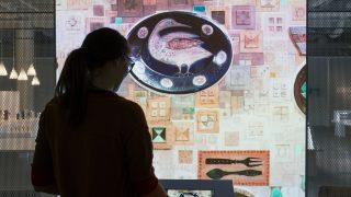 Katseluvarastossa voi tutustua kokoelmaan digitaalisten sovellusten avulla.